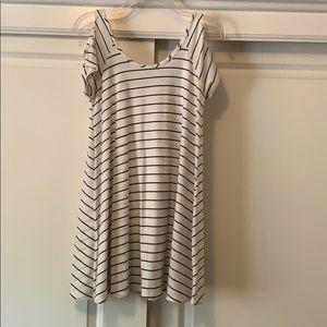 Cut out sleeve summer dress